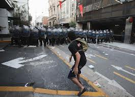Argentina Dec 2012 cop line